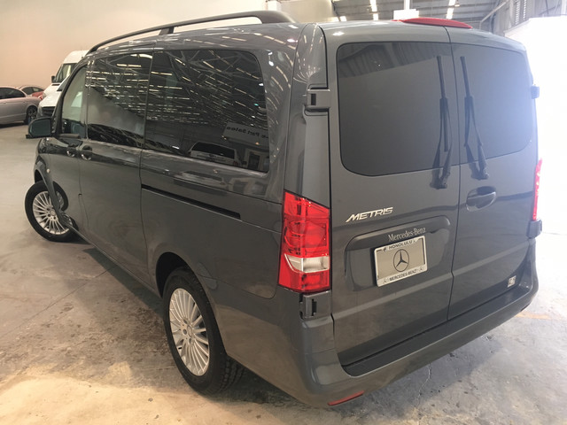 New 2017 Mercedes Benz Metris Passenger Van Mini Van